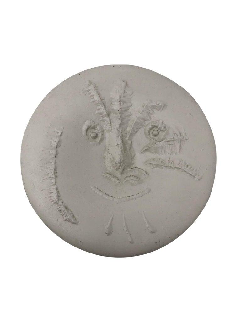 Pablo Picasso Madoura Ceramic Plate - Visage en gros relief, Ramié 505 - Print by Pablo Picasso
