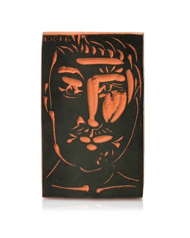 Pablo Picasso Madoura Terracotta 'Plaque Visage d'homme'. - Ramié 539 - Print by Pablo Picasso