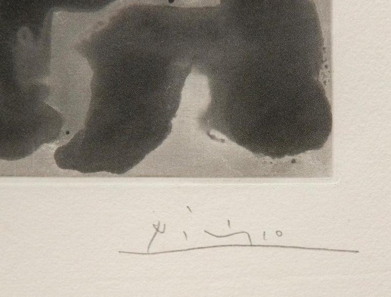 Peintre avec Modele Barbu Assis sur une Chaise - Modern Print by Pablo Picasso