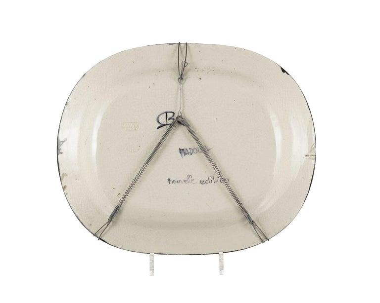 Colombe sur lit de paille, Pablo Picasso, Plate, Multiples, Earthenware, Ceramic - Black Figurative Sculpture by Pablo Picasso