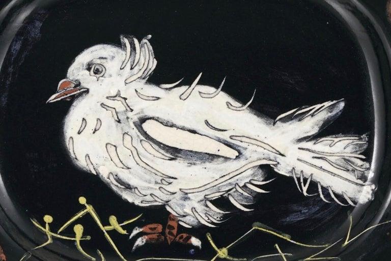 Colombe sur lit de paille, Pablo Picasso, Plate, Multiples, Earthenware, Ceramic - Post-War Sculpture by Pablo Picasso