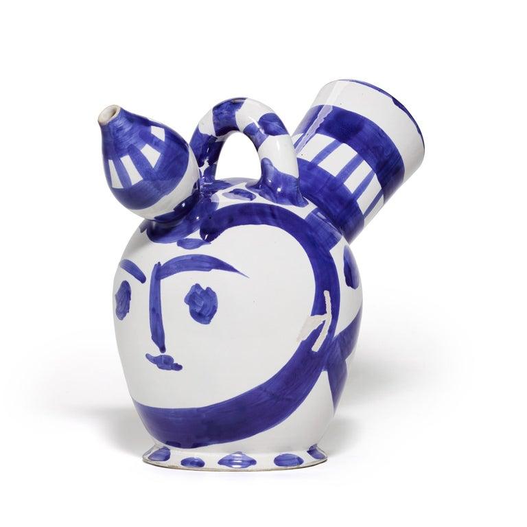 Pablo Picasso Madoura Ceramic Pitcher, 'Pichet á Glace', Ramié 142 - Sculpture by Pablo Picasso