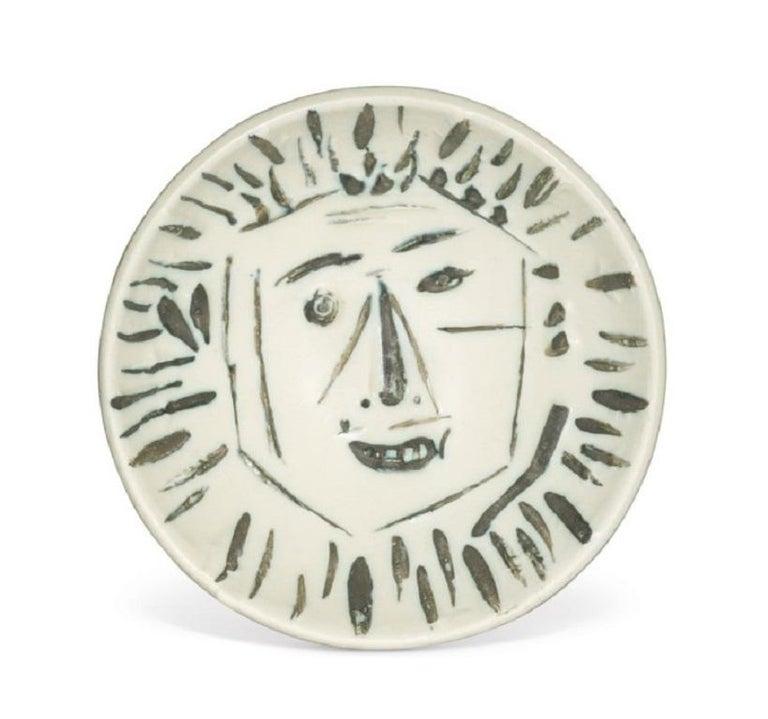 Pablo Picasso Madoura Ceramic Bowl - 'Visage de Face,' Ramié 454 - Sculpture by Pablo Picasso