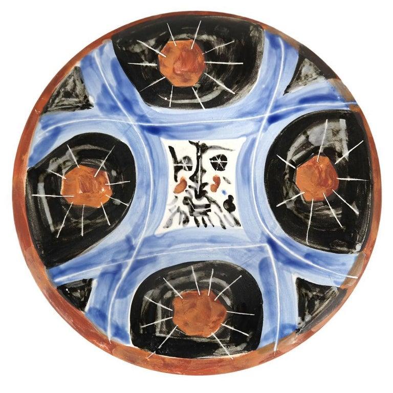 Pablo Picasso Madoura Ceramic Plate 'Face no.59,' Ramié 469 - Sculpture by Pablo Picasso
