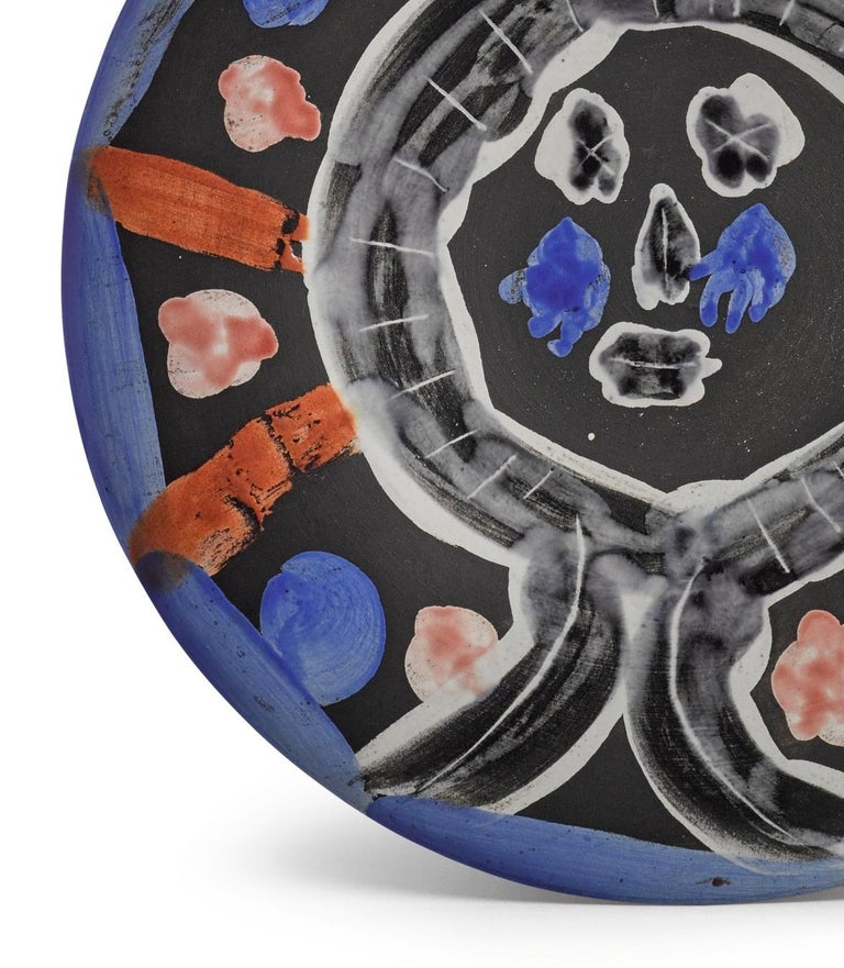 Pablo Picasso Madoura Ceramic Plate - 'Visage No. 30,' Ramié 464 - Abstract Impressionist Sculpture by Pablo Picasso