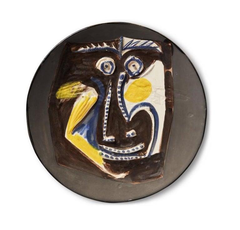 Pablo Picasso Madoura Ceramic Plate 'Visage' Ramié 446 - Sculpture by Pablo Picasso