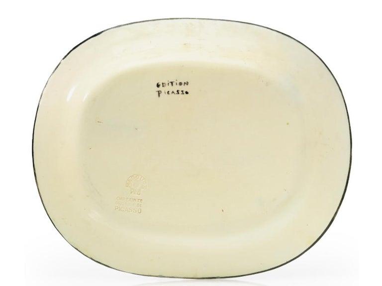 Pablo Picasso Madoura, Corrida verte, Glazed ceramic plate, Ramie 81 - Abstract Impressionist Sculpture by Pablo Picasso