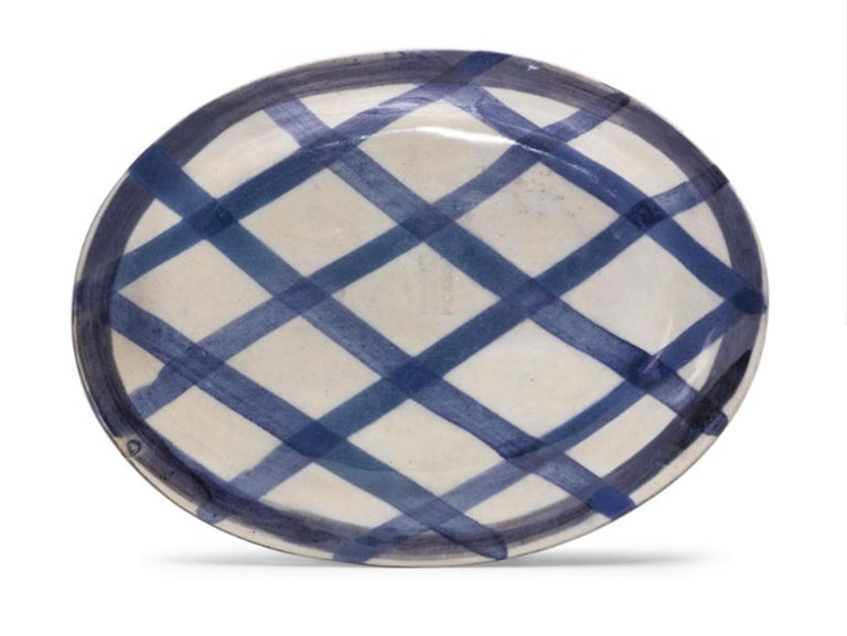 Pablo Picasso Madoura, Poisson de profil, Glazed ceramic plate - Abstract Impressionist Sculpture by Pablo Picasso
