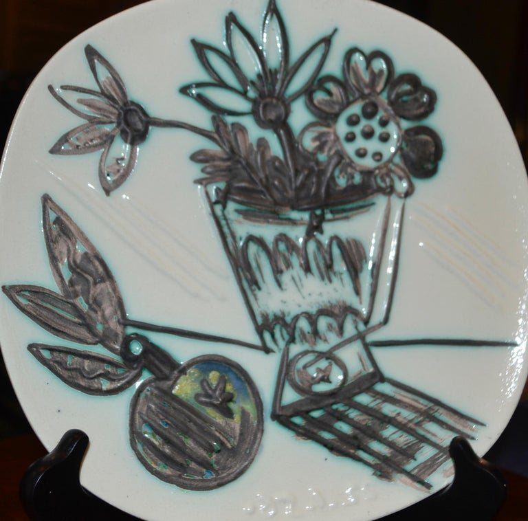 Picasso Madoura Ceramic Ramie 307 Bouquet A La Pomme - Brown Abstract Print by Pablo Picasso