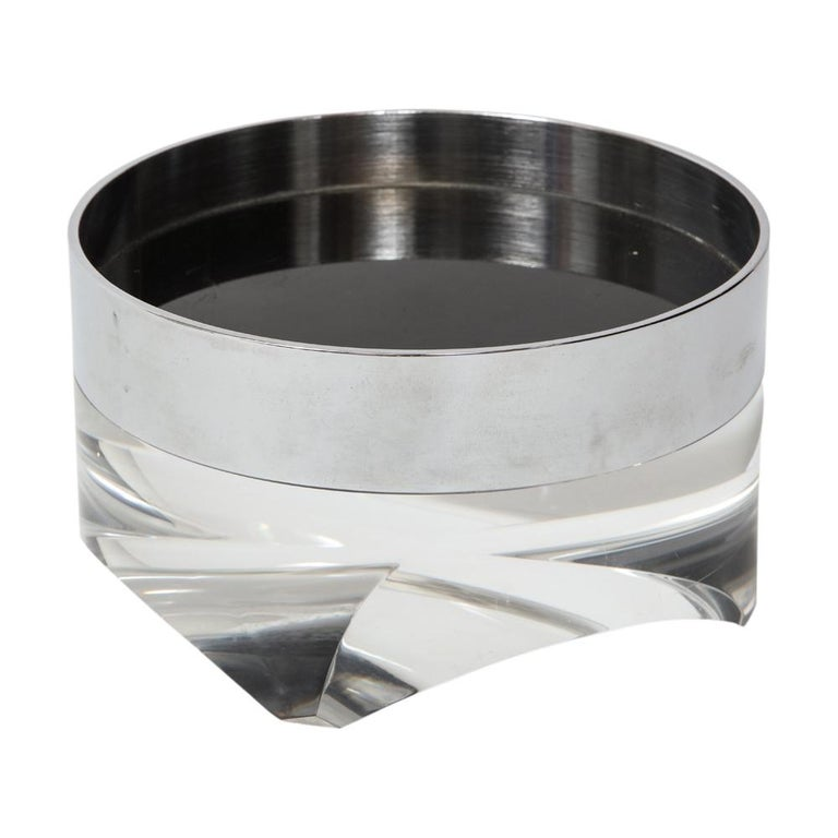 Pace Bowl, Lucite and Chrome Nickel Steel In Good Condition For Sale In New York, NY