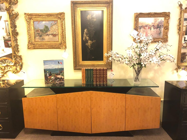 Pace Collection Burl and Ebony Floating Beveled Glass Top Sideboard Cabinet In Good Condition For Sale In Stamford, CT