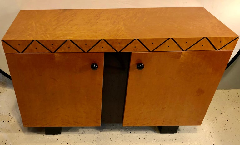 Pace Collection Modern Lacquered Server, Cabinet Console Mid-Century Modern Look In Good Condition For Sale In Stamford, CT