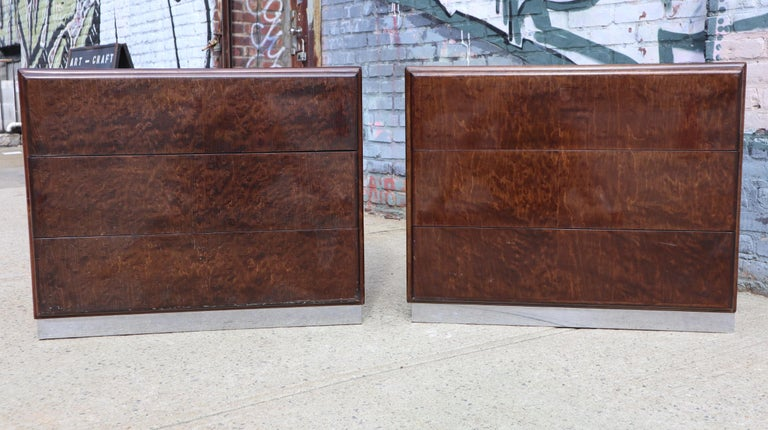 Mid-Century Modern Pair of Matching Milo Baughman Burl Wood Dressers for Thayer Coggin For Sale