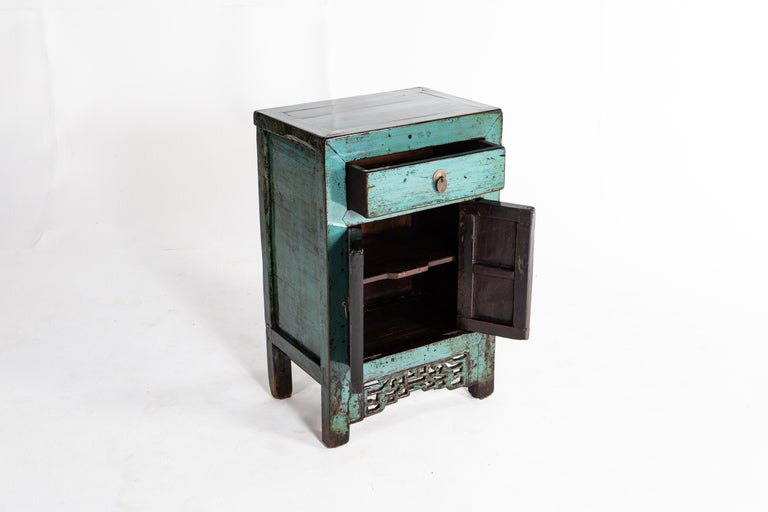 Painted Chinese Cabinet with a Drawer and Pair of Doors For Sale 4