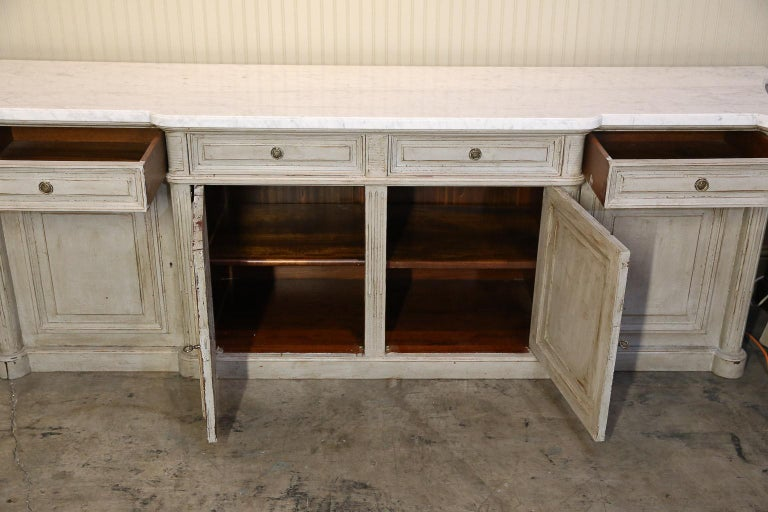 Painted Louis XVI-Style Walnut Enfilade with Shaped White Marble Top For Sale 1
