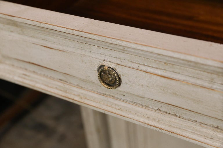 Painted Louis XVI-Style Walnut Enfilade with Shaped White Marble Top For Sale 3