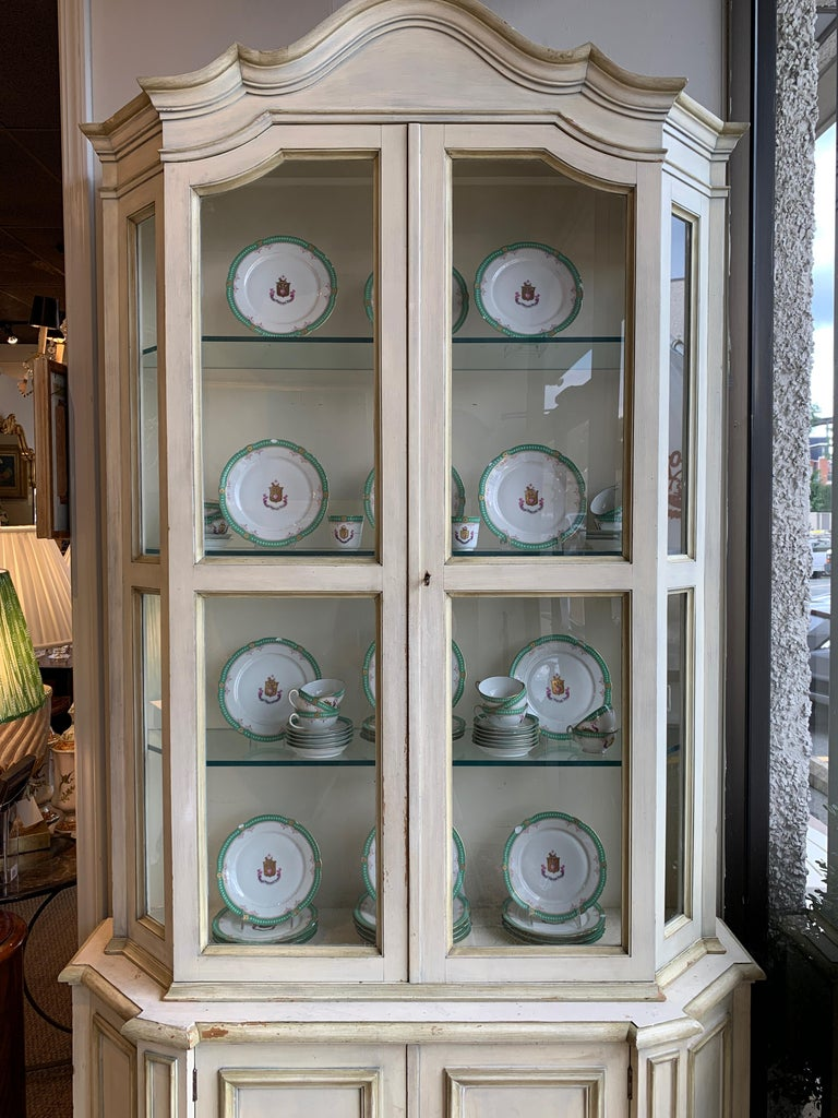 20th Century Painted Neoclassical Display Cabinet For Sale
