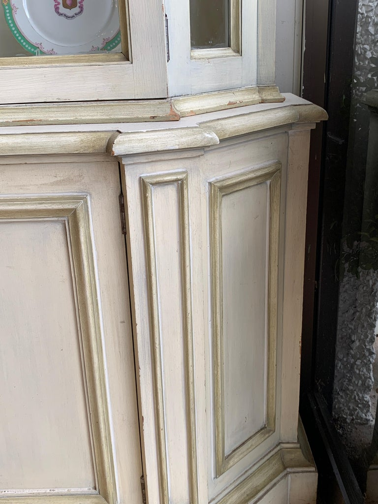 Painted Neoclassical Display Cabinet For Sale 3