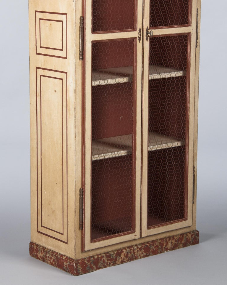 Painted Provencal Vitrine Bookcase, France Midcentury In Good Condition For Sale In Austin, TX