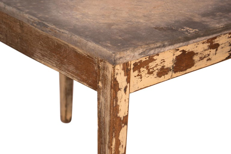 Painted Table with a Zinc Top, France, 19th Century In Good Condition For Sale In San Francisco, CA