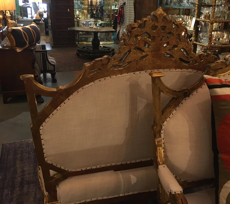 Pair of 1820-1830 Carved Italian Gilt Dragon Settees For Sale 8