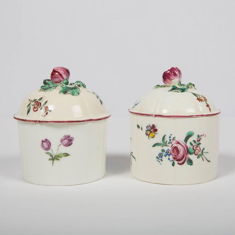 English Pair of 18th Century French Porcelain Blush Pots 'Pots à Fard' by Mennecy For Sale