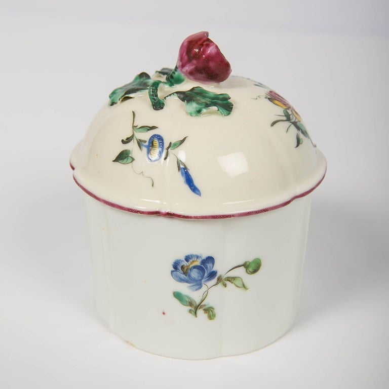 Glazed Pair of 18th Century French Porcelain Blush Pots 'Pots à Fard' by Mennecy For Sale