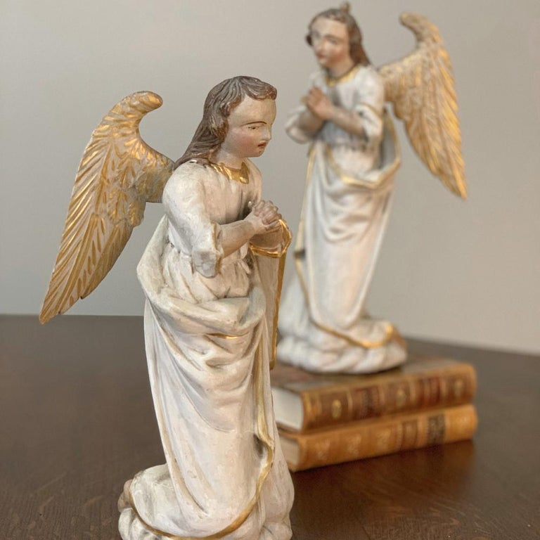 Pair of 18th Century Hand Carved and Painted Italian Angels For Sale 4