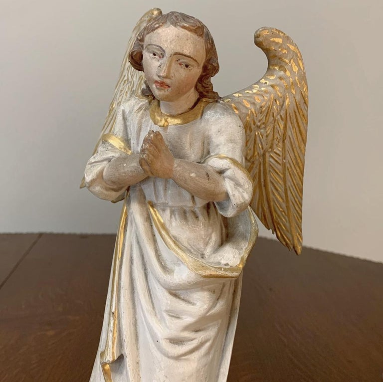 Wood Pair of 18th Century Hand Carved and Painted Italian Angels For Sale