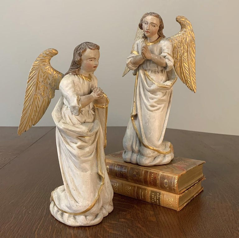 Pair of 18th Century Hand Carved and Painted Italian Angels For Sale 1
