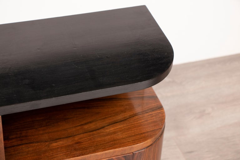 Pair of 1930s Art Deco Walnut Tables Nightstands with Black Lacquered Tops 1