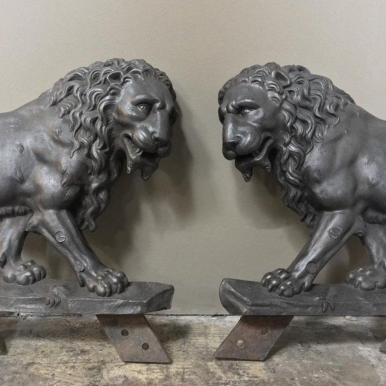Belle Époque Pair of 19th Century Architectural Cast Iron Lion Statues For Sale