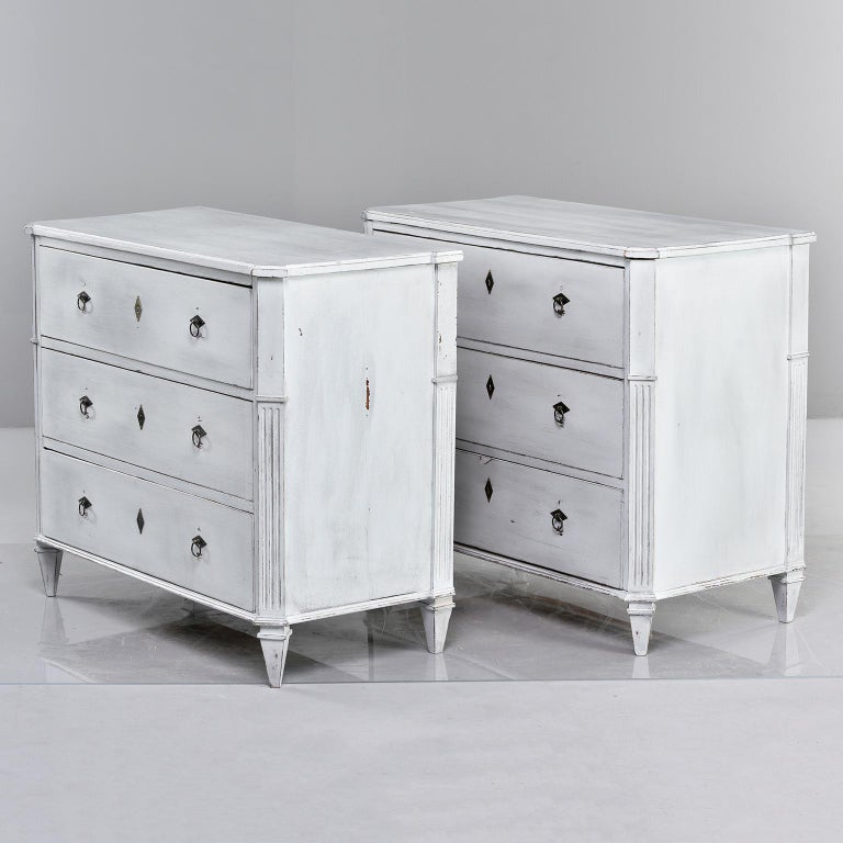 Pair of 19th Century English Pine Chests with New Paint In Good Condition For Sale In Troy, MI