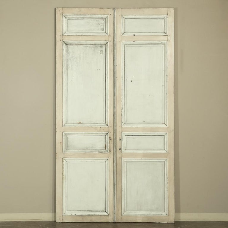 Pair of 19th Century French Hand Painted Paneled Interior Doors For Sale 13