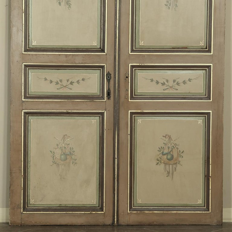 Pair of 19th Century French Hand Painted Paneled Interior Doors In Good Condition For Sale In Dallas, TX
