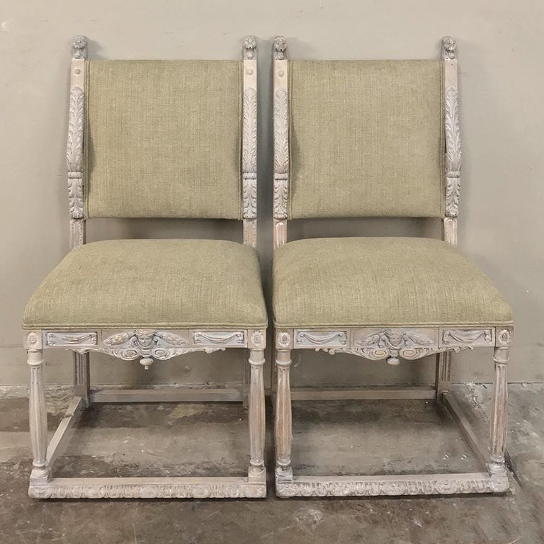 Hand-Carved Pair of 19th Century French Louis XIV Whitewashed Chairs For Sale
