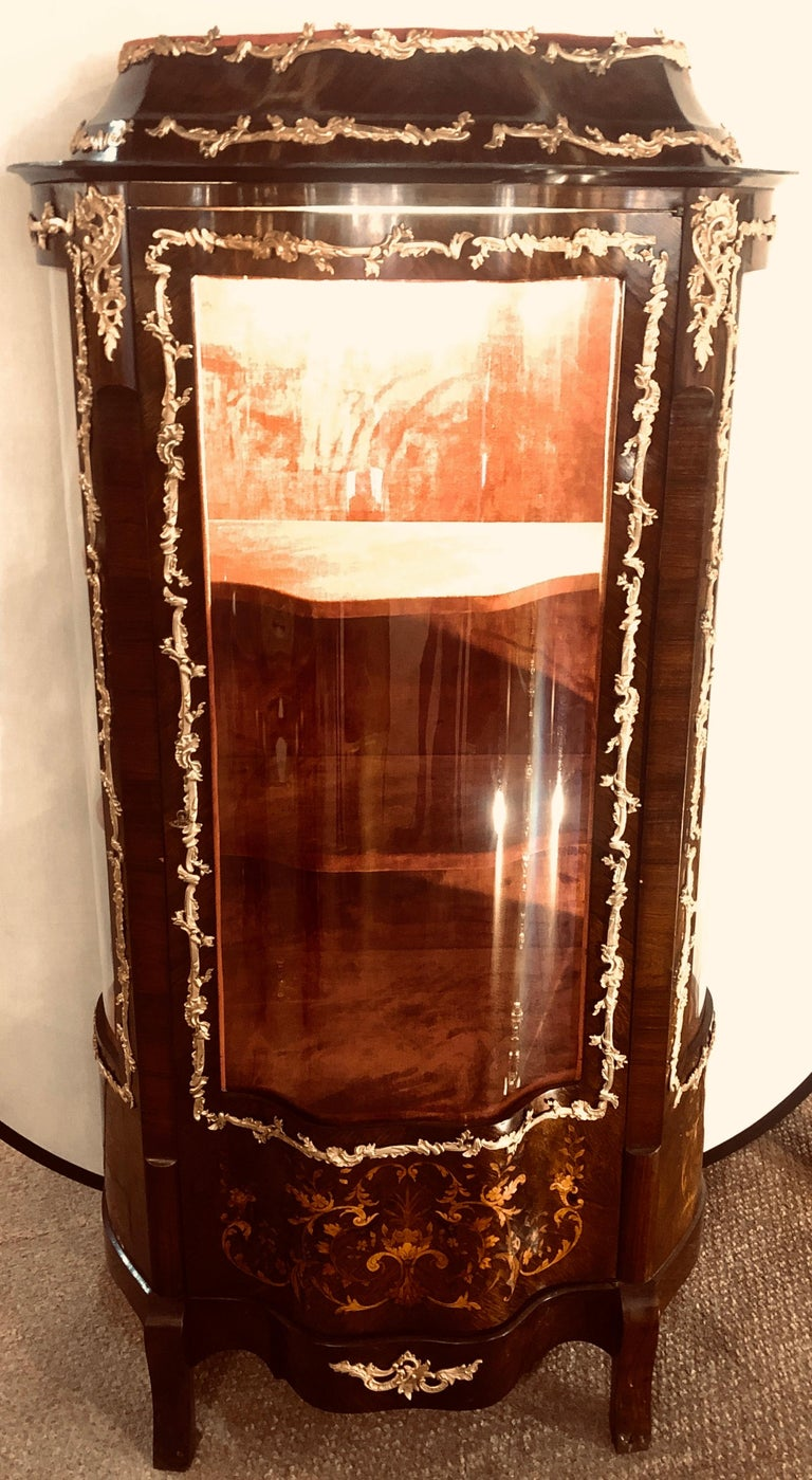 Louis XV 19th Century French Bronze Mounted Inlaid Vitrines Curio Cabinets, Pair