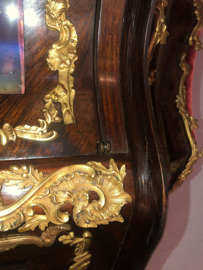 19th Century French Bronze Mounted Inlaid Vitrines Curio Cabinets, Pair 2