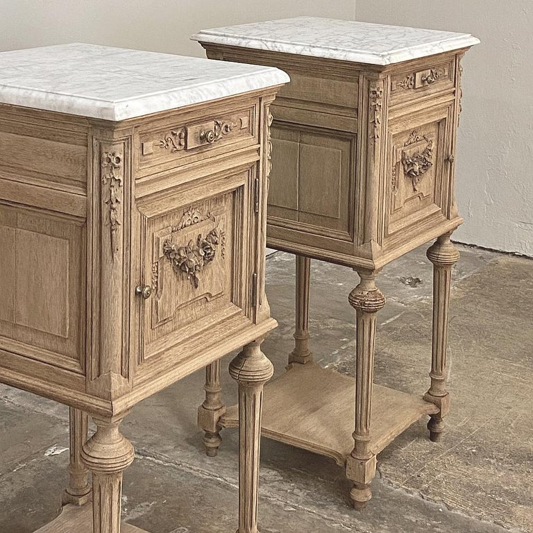 Hand-Carved Pair of 19th Century French Louis XVI Marble-Top Nightstands