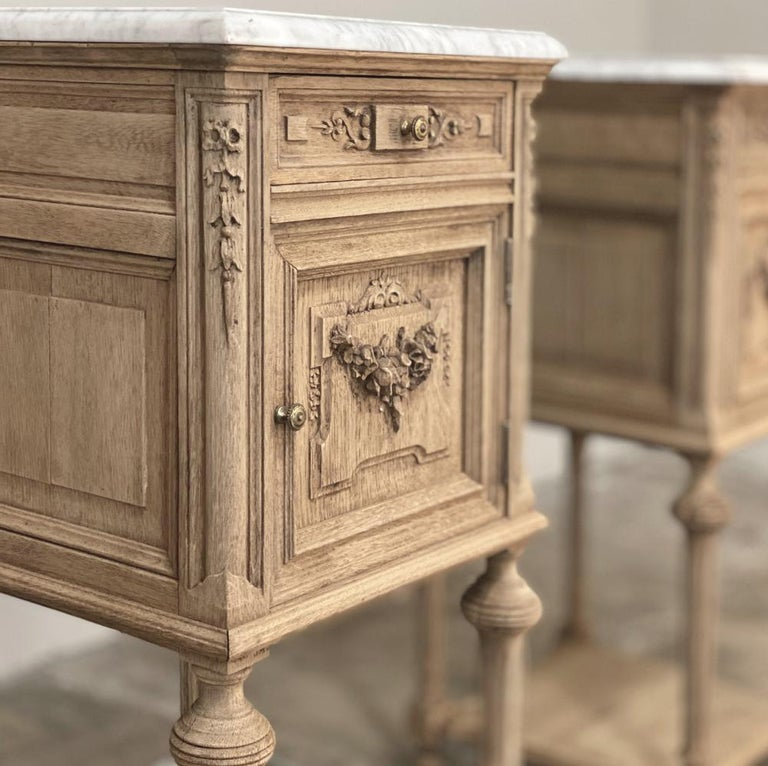 Carrara Marble Pair of 19th Century French Louis XVI Marble-Top Nightstands