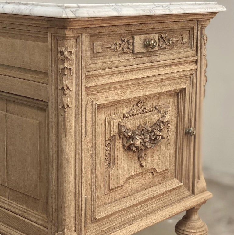 Pair of 19th Century French Louis XVI Marble-Top Nightstands 1