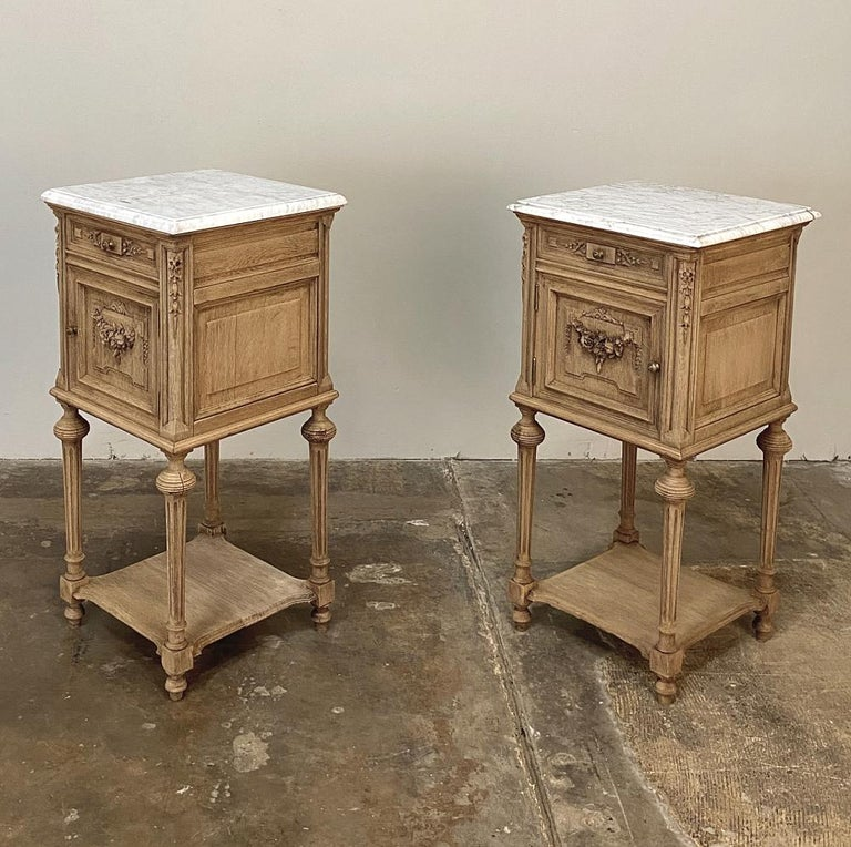 Pair of 19th Century French Louis XVI Marble-Top Nightstands 3