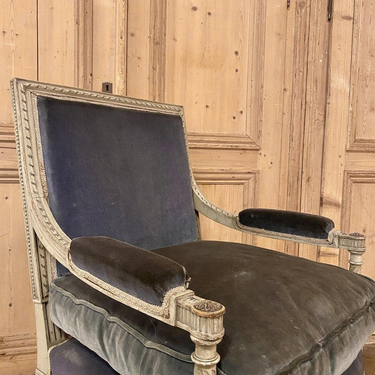 Pair of 19th Century French Louis XVI Painted Armchairs, Fauteuils For Sale 2
