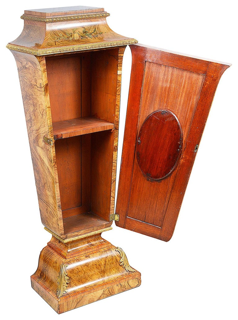 Pair of 19th Century Marquetry Pedestals For Sale 3