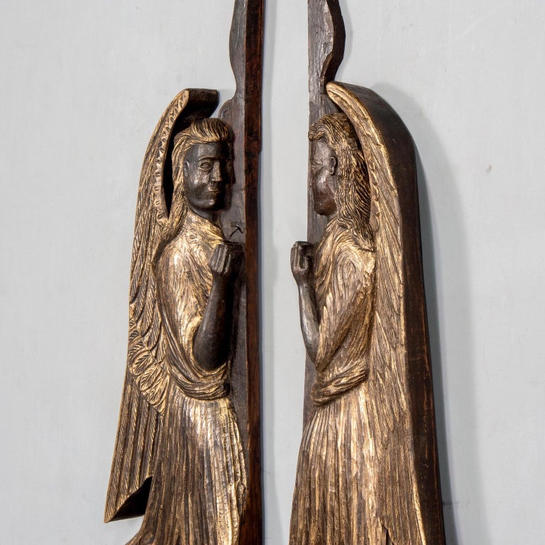 Late 19th Century Pair of 19th Century Scottish Chip Carved Angels with Gilt Detail For Sale
