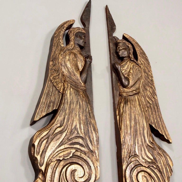 Pair of 19th Century Scottish Chip Carved Angels with Gilt Detail For Sale 2