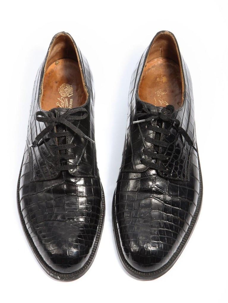 Pair of gentleman's rare and wonderful black crocodile shoes provenance Indian prince made 1920 by A.Gillet Paris gold embossed on interior maker to the Tsar and Kind Edward VII  352, Faubourg St-Honore Paris. The uppers are in excellent condition.