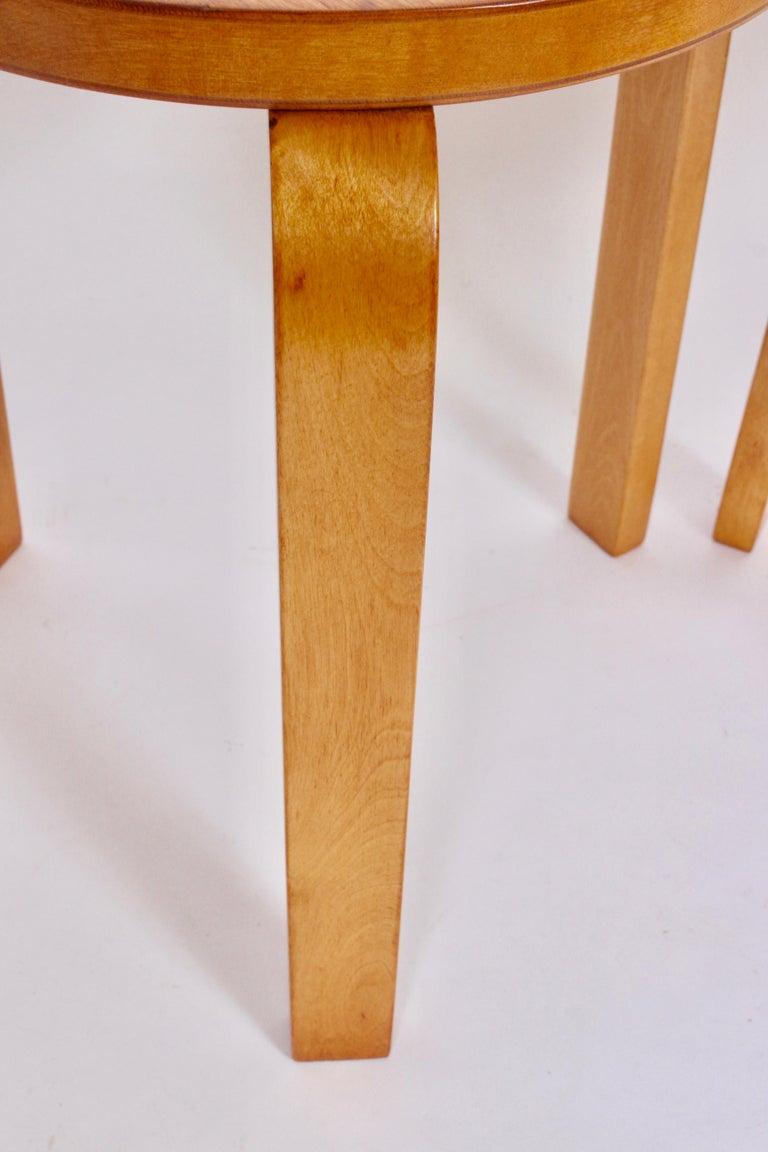 Pair of Alvar Aalto Finsven #60 Stacking Stools, 1930s For Sale 2