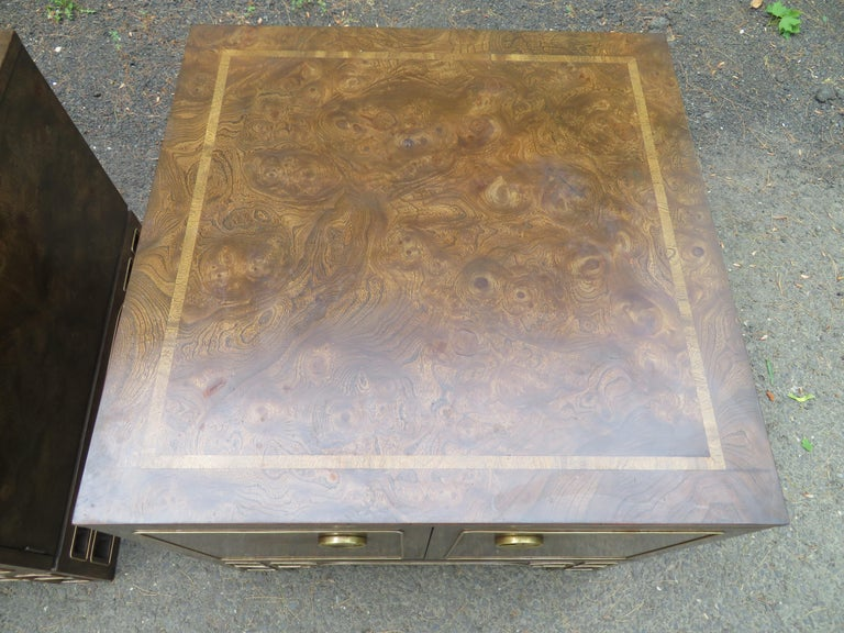 Late 20th Century Pair Amboyna Burl Brass Mastercraft Asian End/Night Stands Mid-Century Modern For Sale