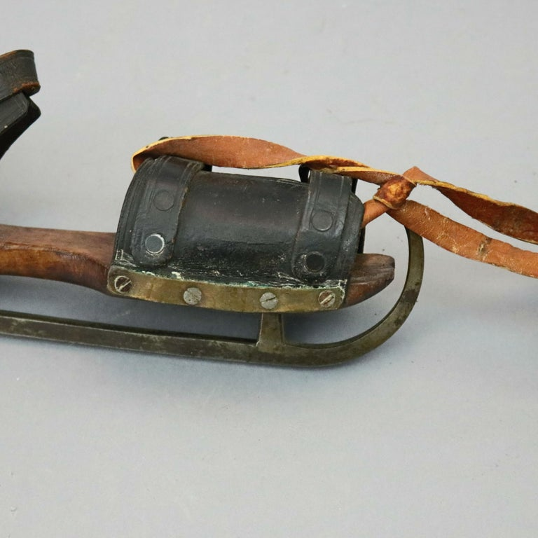 Pair of Antique Buckled Leather and Wood Ice Skates, 19th Century For Sale 8
